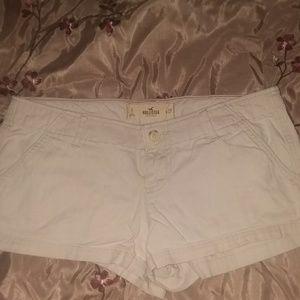 Hollister sz 5/27 Khaki Shorts